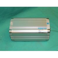 """Festo AEVU-2 1/2""""-5""""-P-A Pneumatic Cylinder 21638337000010 145psi NEW"""