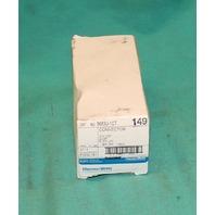 Thomas& Betts Russel Stol  8683U-1CT Ever-Lok Connector Plug 20A 125V 2W 3P NEW