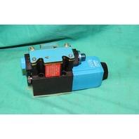 Vickers DG4V-3-2AL-M-FPM4WL-D7-HL7-60-EN623 Hydraulic Valve NEW